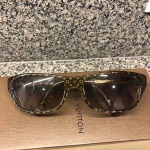 Women's Louis Vuitton Sunglasses never worn